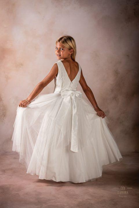 Vestido Ada. Cuerpo de fantasia y falda espectacular de tules Precio 325€