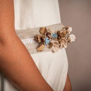 cinturon de flores azul para vestido de comunion Aliana